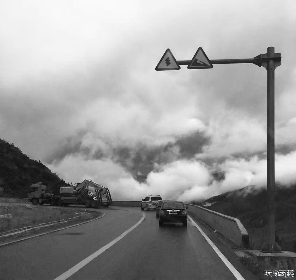 山脉季风旅行诗歌之川藏线