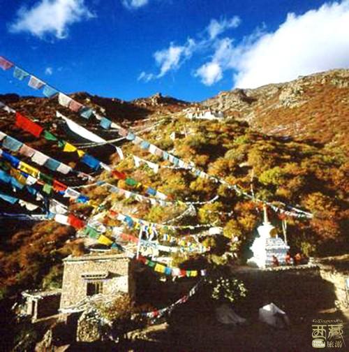 西藏山南-贡布日神山与猴子洞,西藏,神山