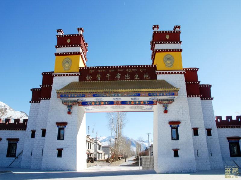 西藏拉萨-松赞干布出生地大门,西藏,拉萨,布达拉宫,尼泊尔,文成公主