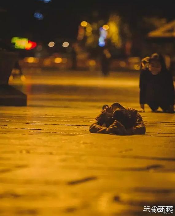 """萨嘎达瓦月 凌晨以后摄影师镜头下""""金色的萨嘎达瓦"""",西藏攻略,西藏百科,西藏故事,西藏美图,西藏游记"""