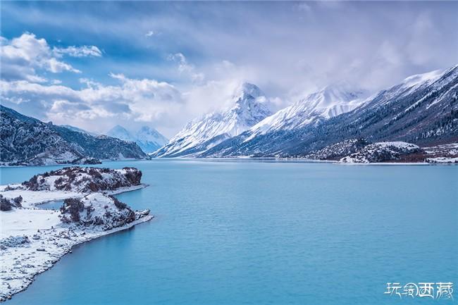 然乌湖雪景