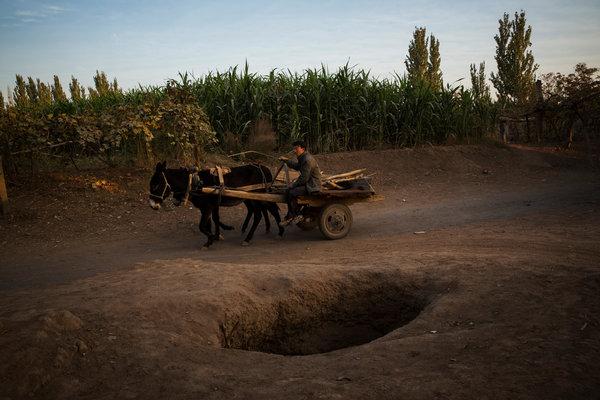 吐鲁番坎儿井渐干涸 外媒:千年生活方式或消失